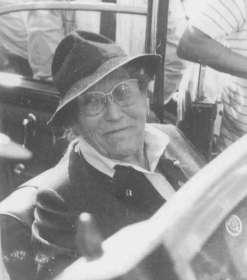 Frau Irene Flesch